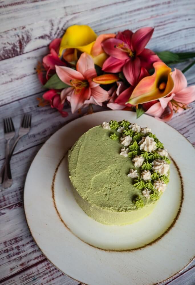 Vegan Matcha Vanilla Cake with White Chocolate Frosting
